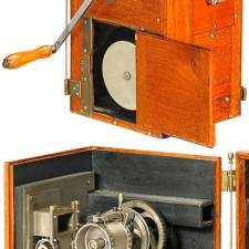Beautiful 1900 Built German Oskar Kine-Messter Camera: