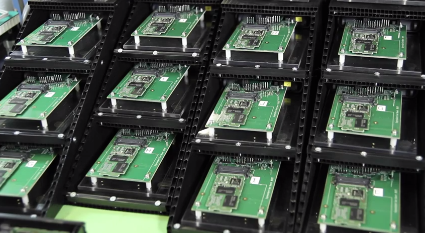 Sony SxS memory cards 101 for dummies… Oh & heaps of techie lab stuff showing the cards naked.